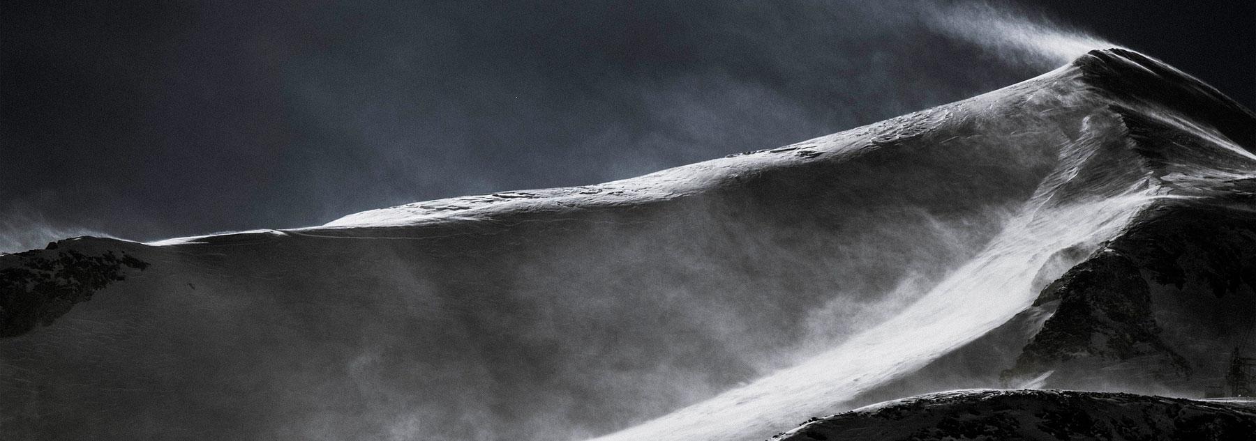 montaña blanco negro